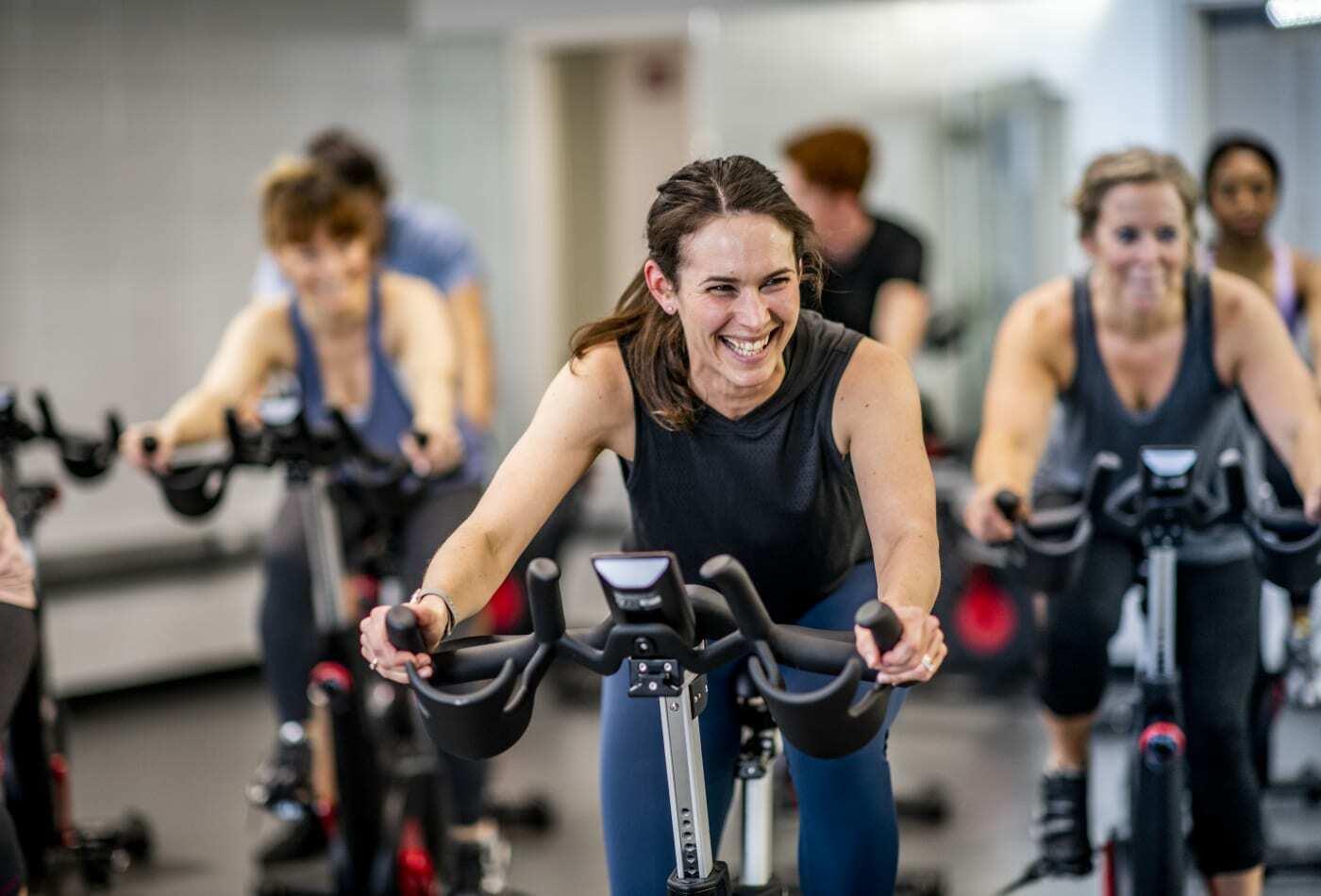 Thực hiện các thủ tục pháp lý phù hợp để kinh doanh phòng gym