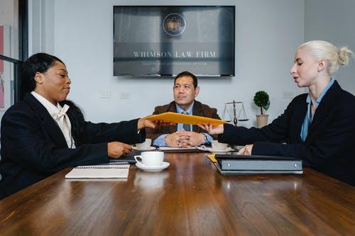 Điều kiện thành lập công ty cổ phần theo quy định Luật Doanh nghiệp 2014